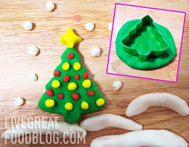 Christmas play dough fun